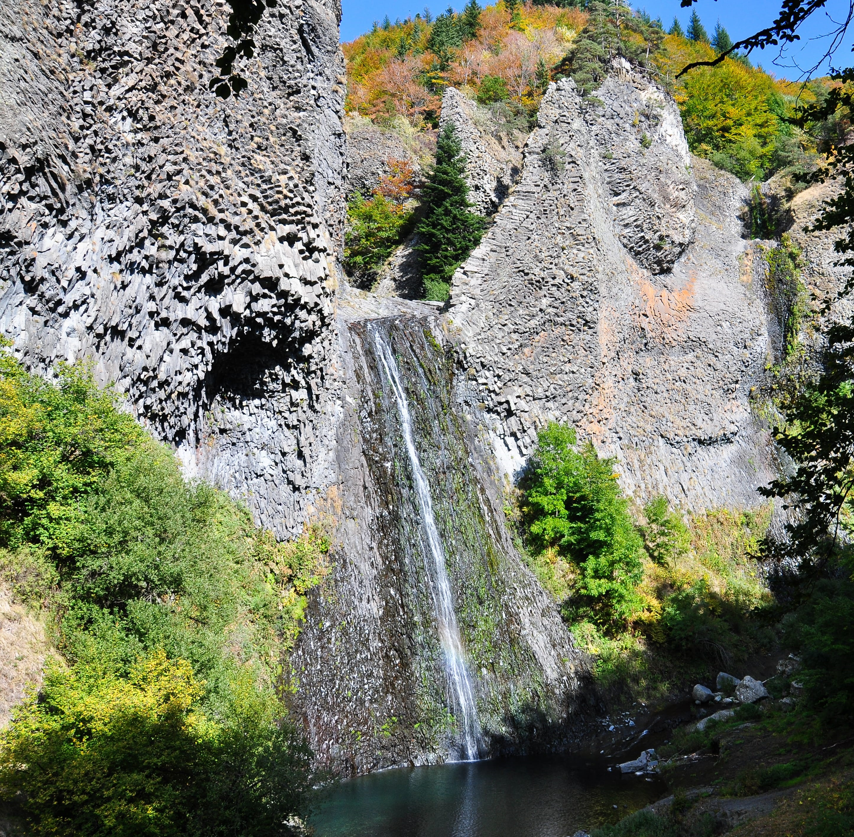 min-voyage-nature-cascade-ray-pic-ardèche- crédit Renaud-goud-min